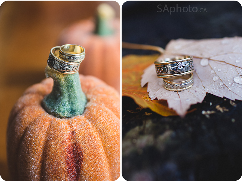 08-Bracebridge-Inn-at-the-falls-wedding-rings-on-pumpkin