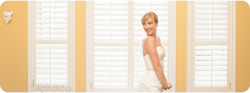 09-bride-in-window-shot
