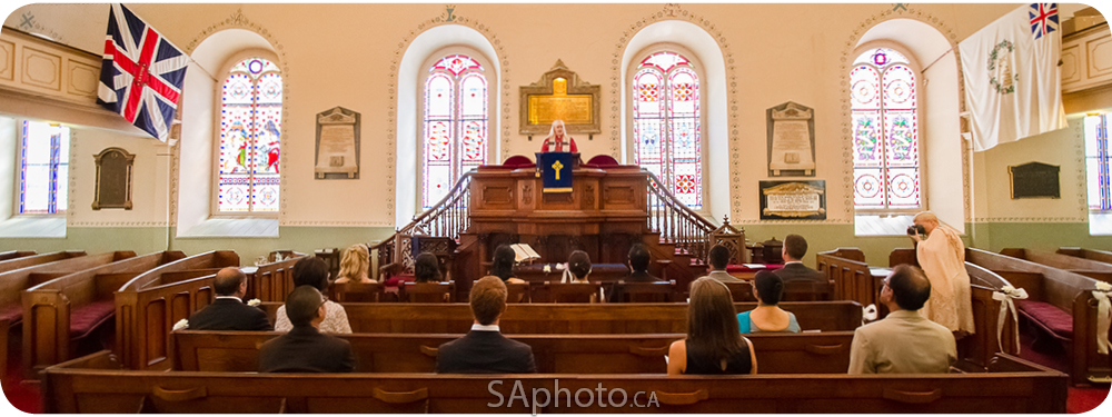 15-St. Andrews Church-interior-quebec-wedding