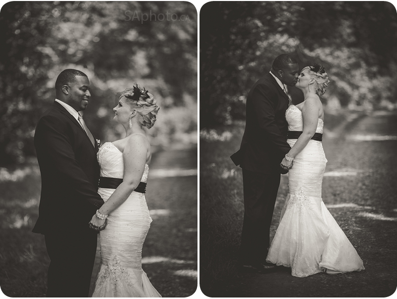 31-black-and-white-wedding-couple