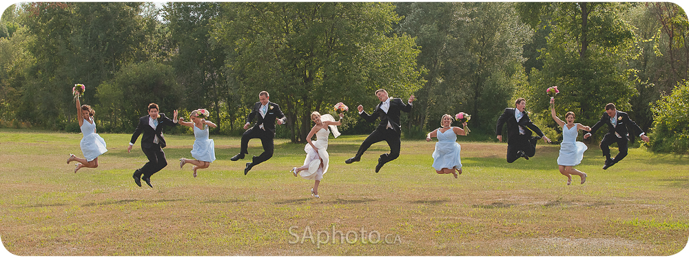 56-toronto-wedding-party-jumping