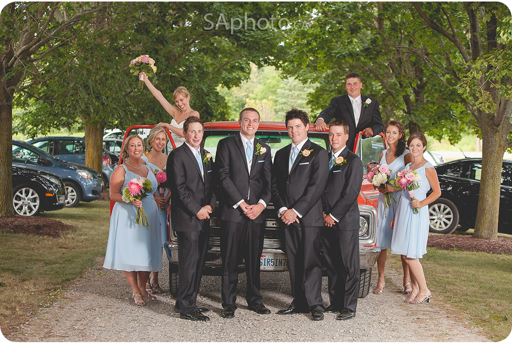59-wedding-party-on-truck