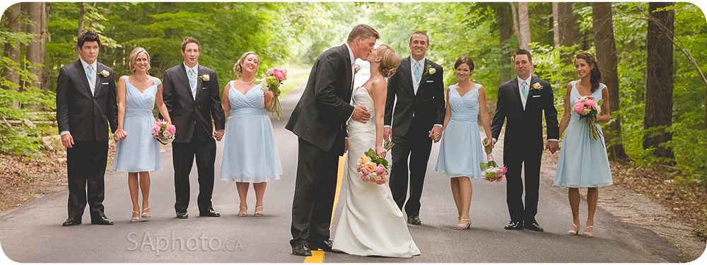 64-bridal-party-in-forest