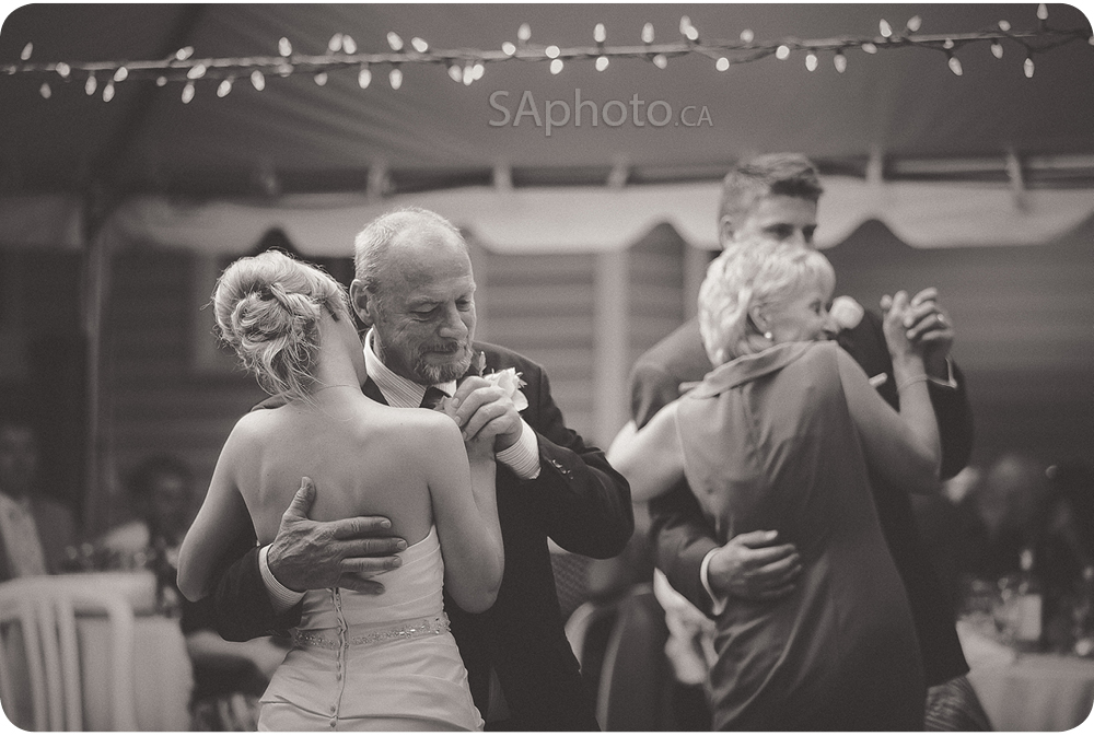 95-mom-and-dad-first-dance