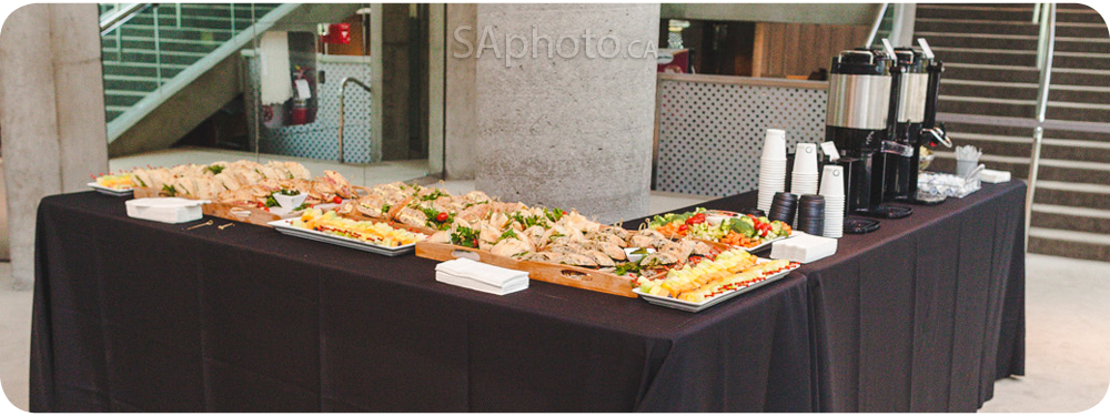 04-rendez-vous-gourmet-food-table