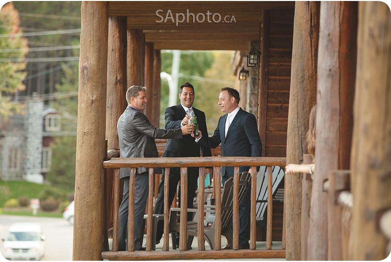 24-grand-lodge-hotel-groomsmen-on-balcony