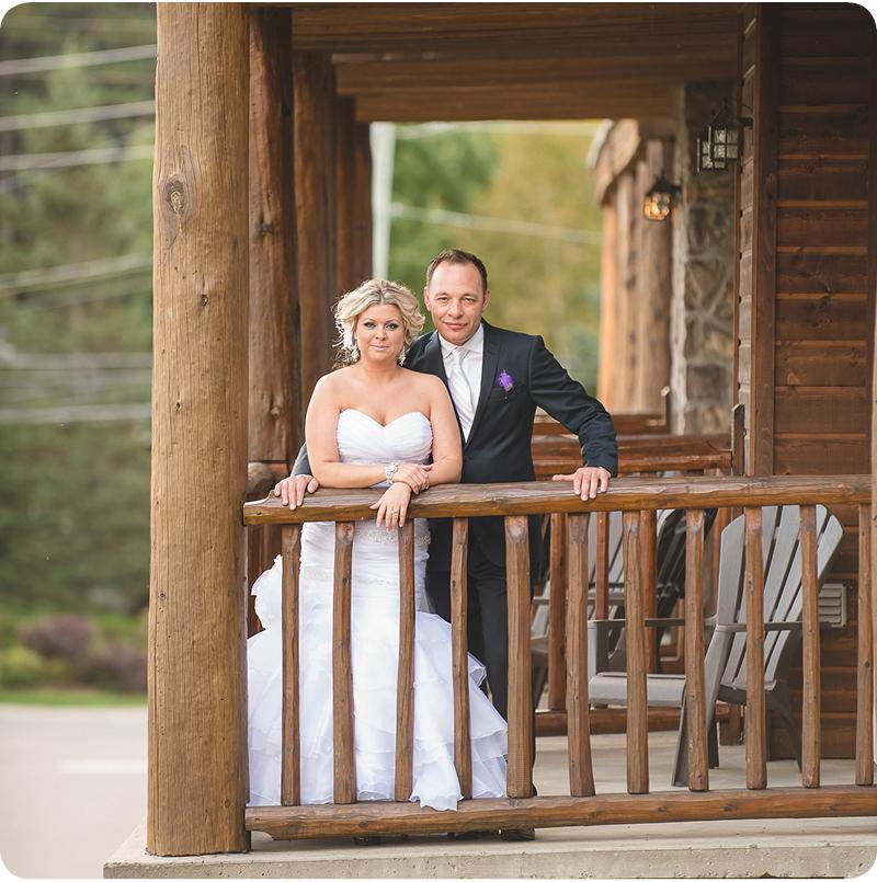 57-patio-le-grand-lodge-wedding-picture