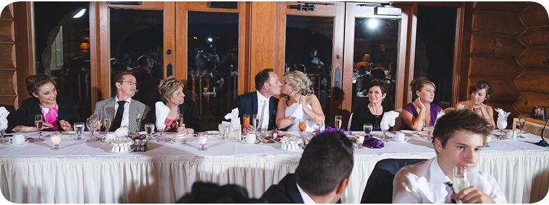 78-couple-kissing-le-grand-lodge