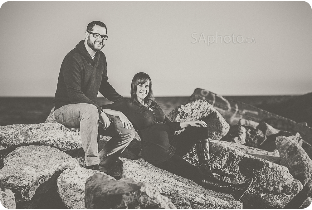 11-beach-maternity-couple-session