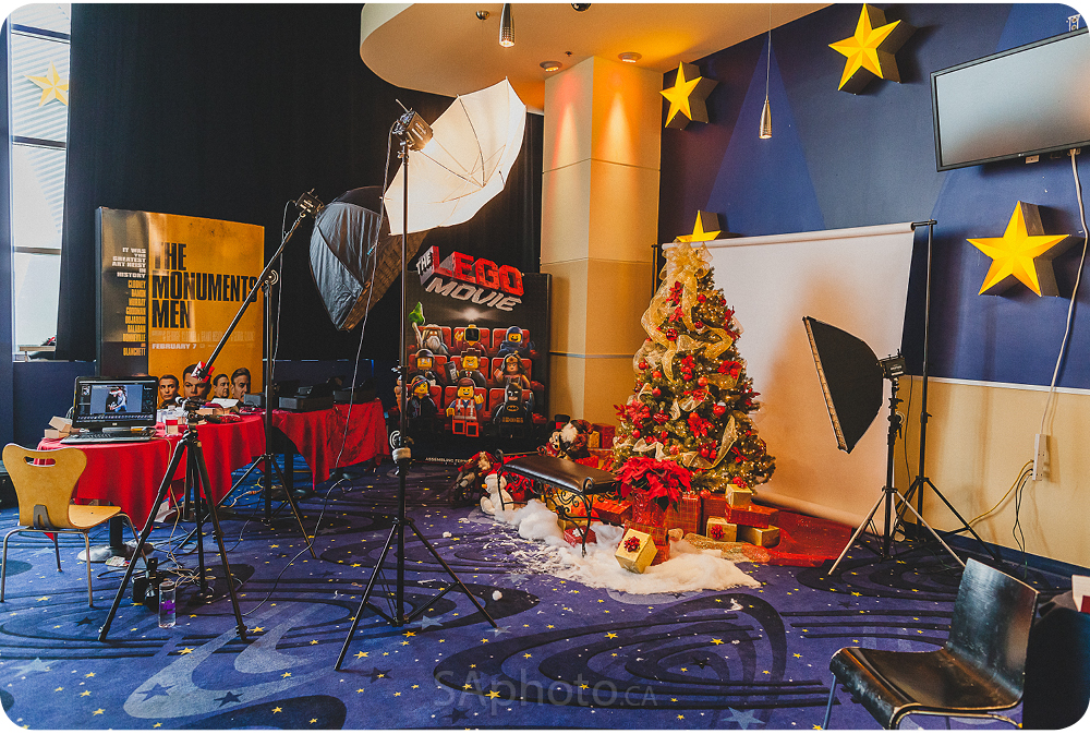 06-remax-onsite-printing-christmas-photo-booth-event