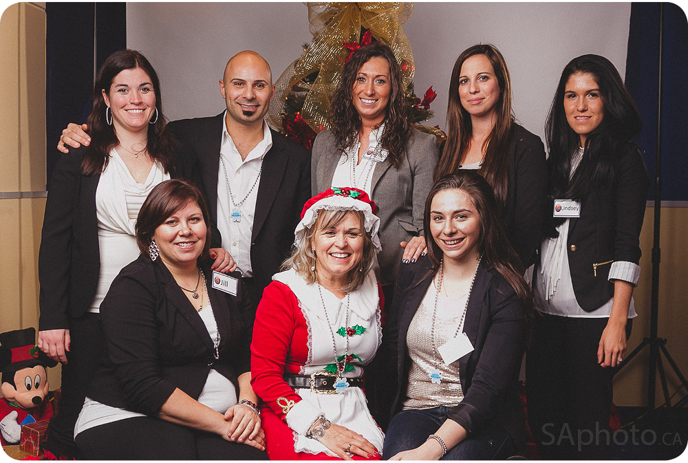 32-remax-onsite-printing-christmas-photo-booth-event