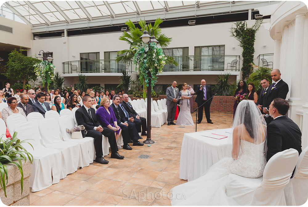041-best_western_Lamplighter_wedding_pictures