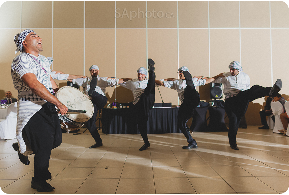 084-arabic-dance-performance-at-wedding